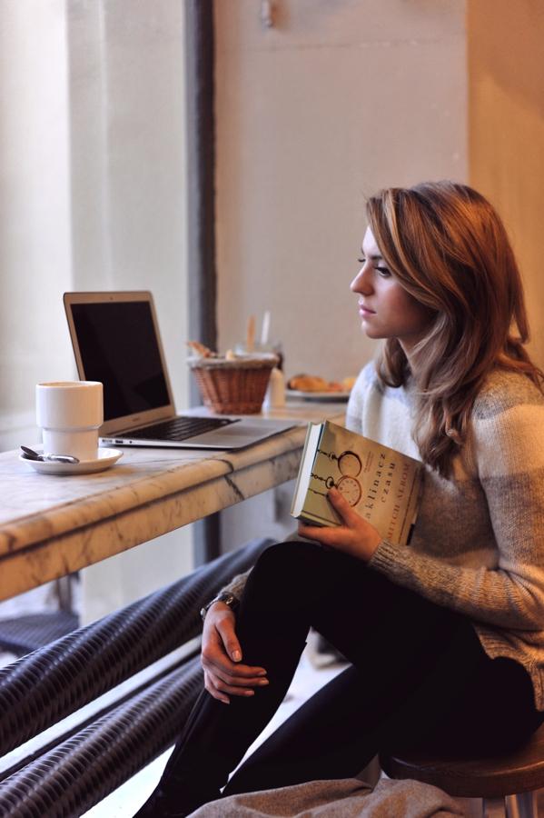 Kasia z książką